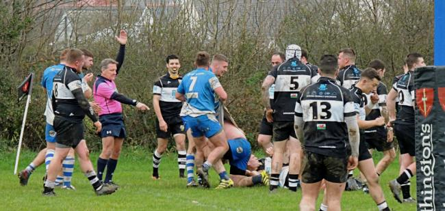 Ashley George touches down for Haverfordwest.