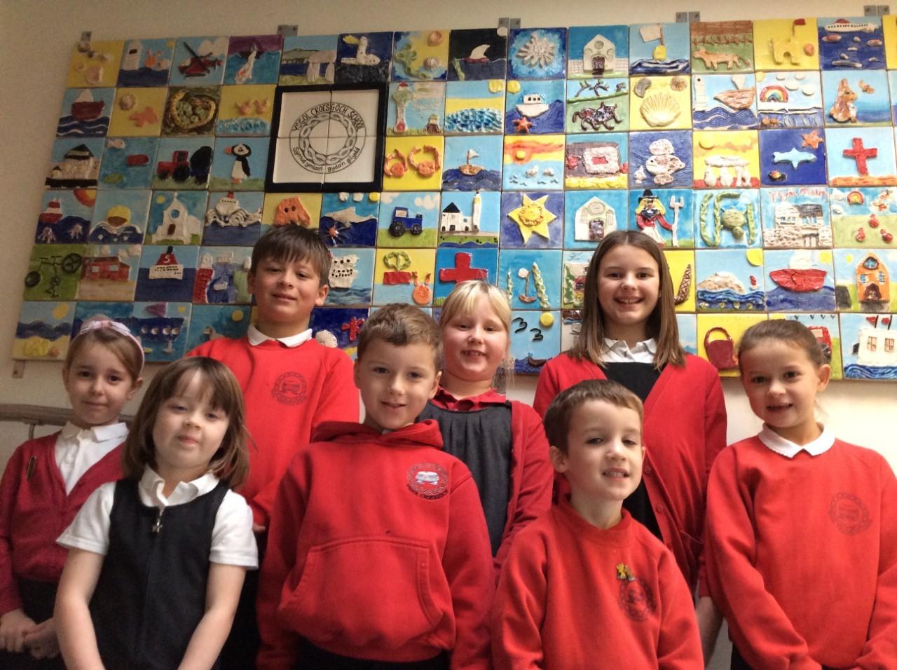 Ysgol Croesgoch pupils create amazing artwork with painter Helen Elliott and potter Jennifer Hall - Western Telegraph