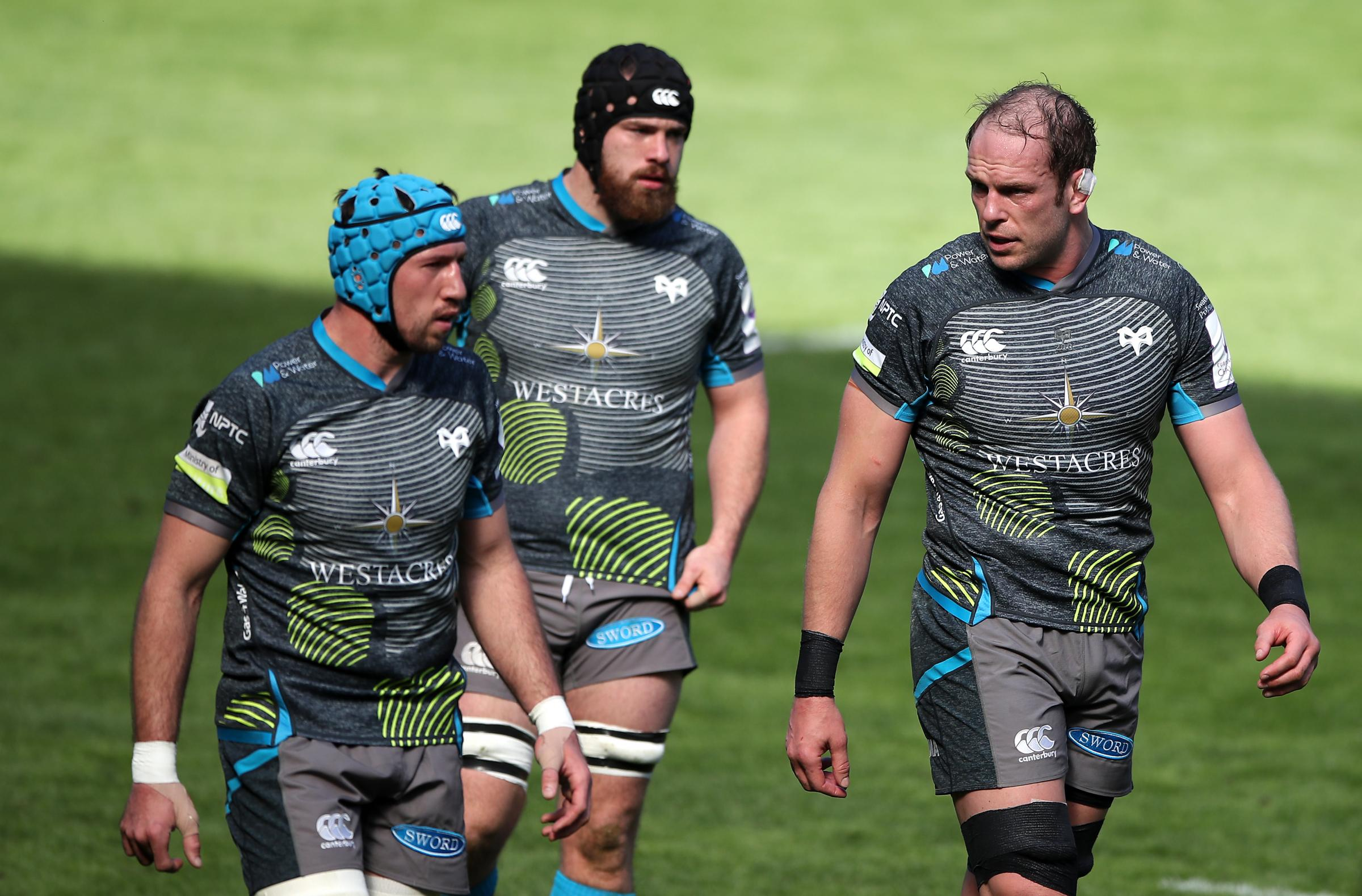 Ospreys Alun Wyn Jones (right) speaks with Justin Tipuric during the Heineken Challenge Cup match at Liberty Stadium, Swansea. Picture date: Saturday April 3, 2021.