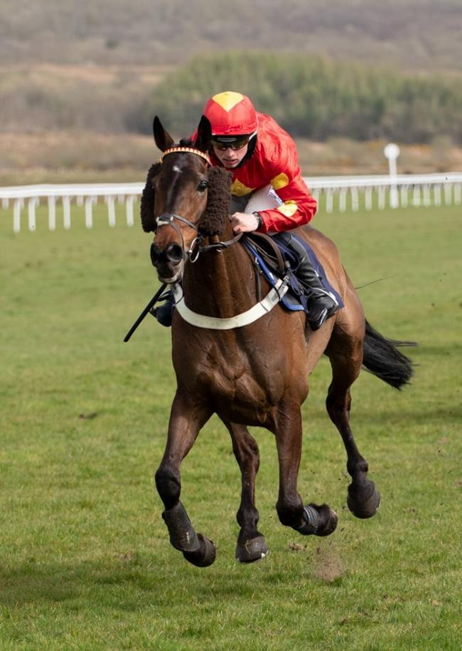 James Bowen rides Landofsmiles to victory.