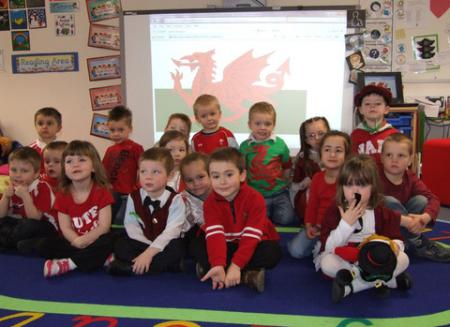 Extra St David's Day Pictures 2012 Pennar School