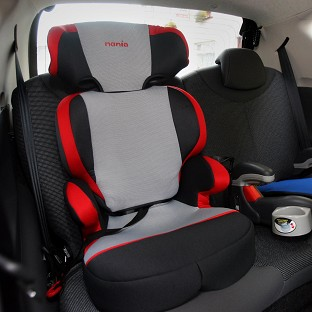 None of the retailers visited by Which asked what type of car the child seat would be used in
