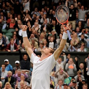 Andy Murray celebrates defeating David Ferrer