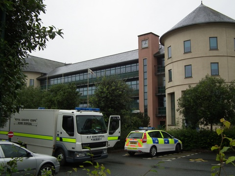 Bomb disposal team investigate 'suspect package' at Pembrokeshire County Hall