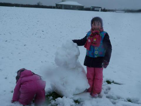Maisie and Millie snowmen