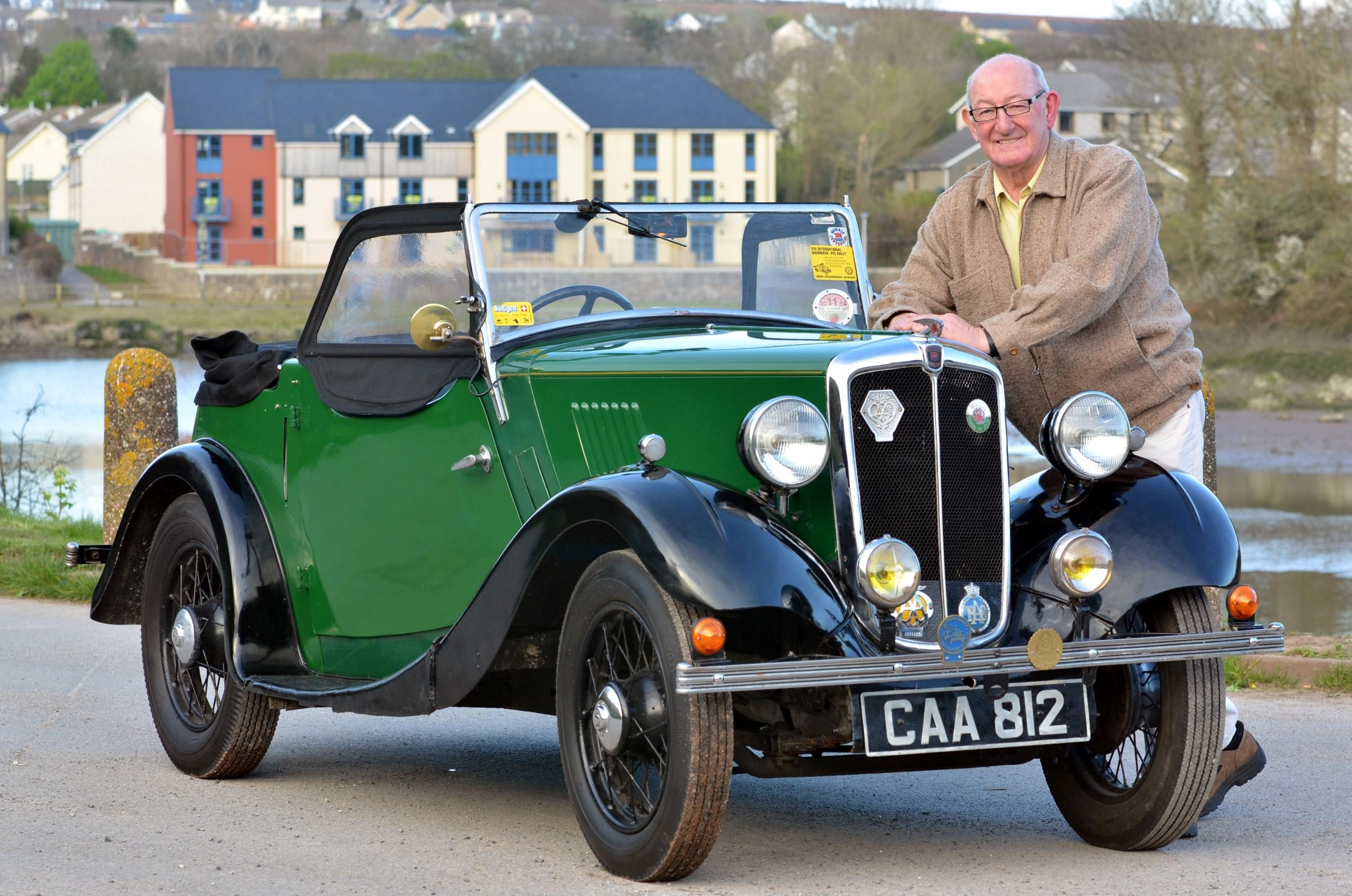 GEARING-UP: Malcolm Powell with his Morris 8. PICTURE: Martin Cavaney. (5414031)