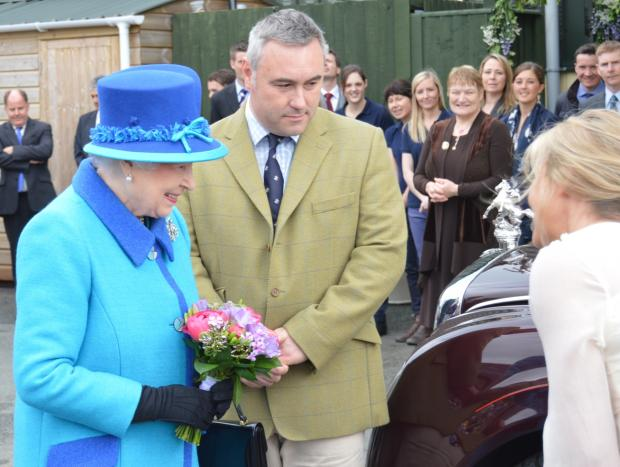 Western Telegraph: The Queen visits Cotts Equine Hospital