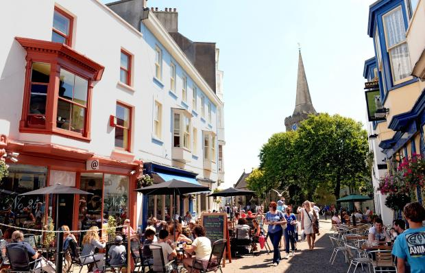 Cafe culture: Tenby's summer pedestrianisation scheme gives a boost to al fresco dining and strolling. PICTURE: Gareth Davies Photography  (8437108)