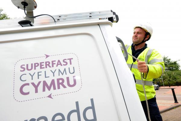 Superfast broadband roll-out continues across Pembrokeshire