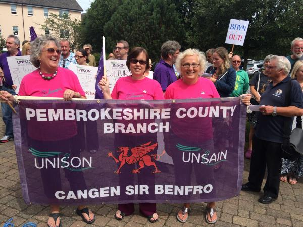 UPDATED: County Hall protest over chief executive Bryn Parry-Jones