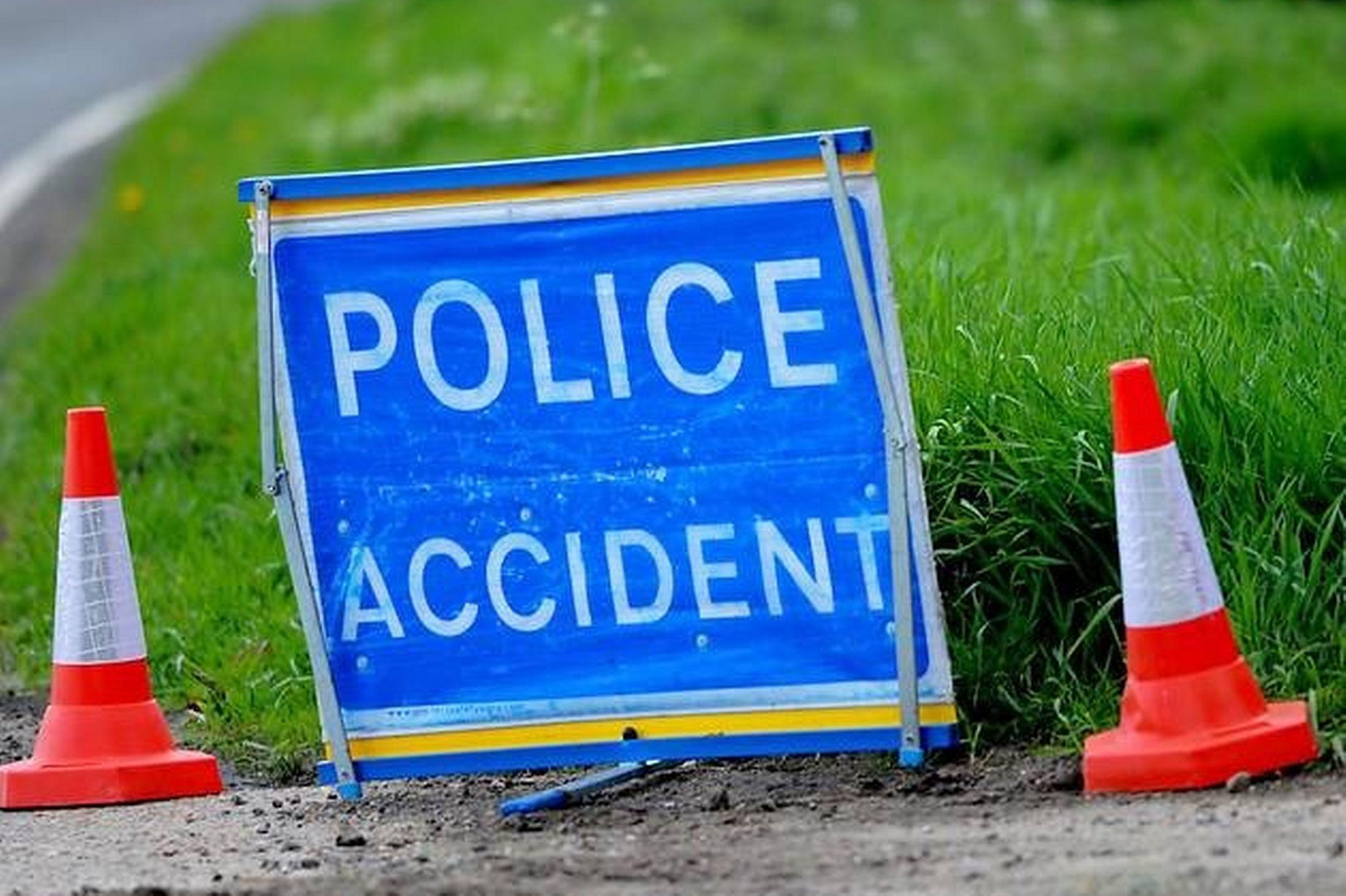 Serious accident closes A40