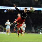 Western Telegraph: Saracens wing Chris Ashton scores his second try against Worcester
