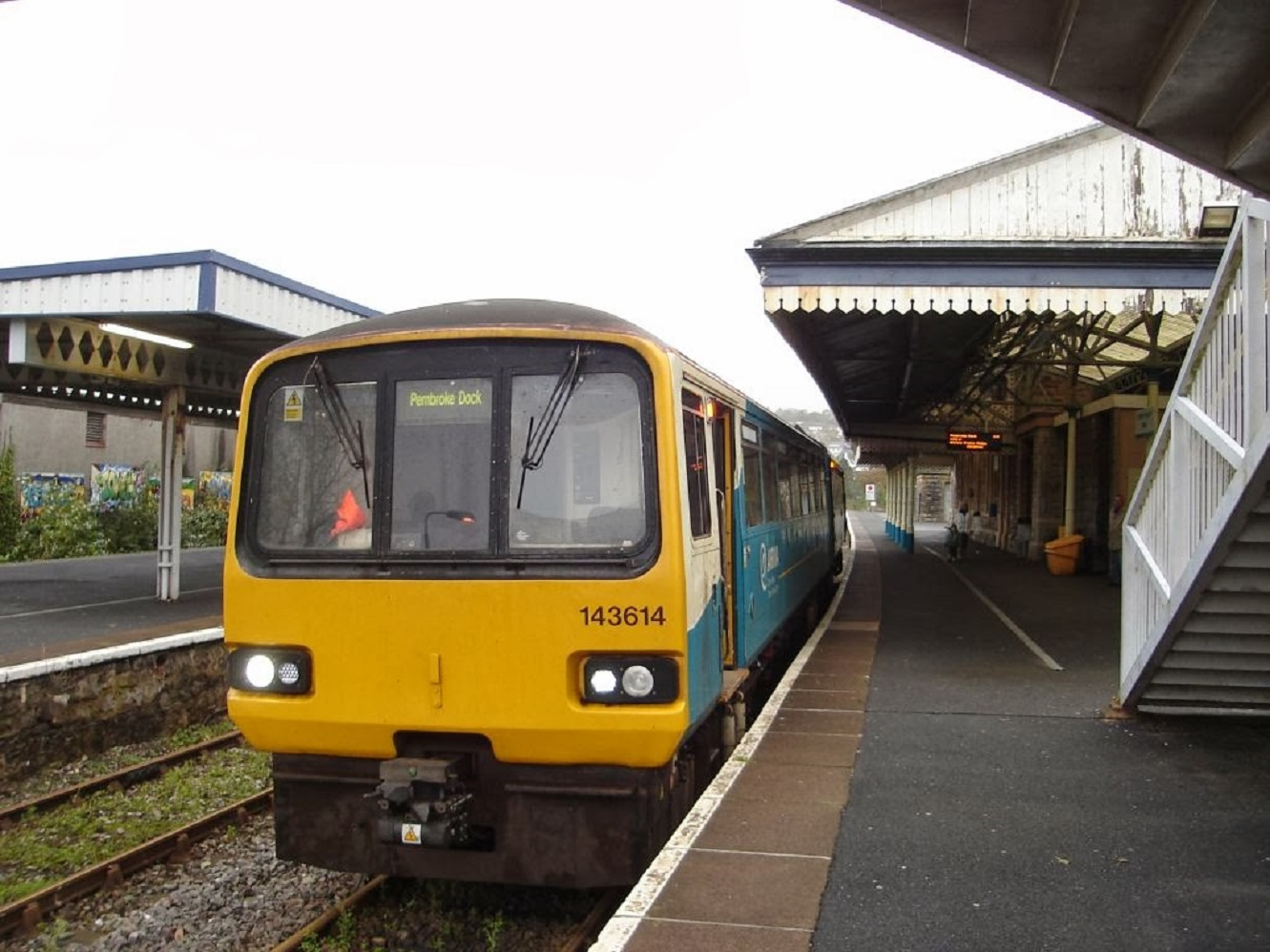 Teens attacked train guard at Tenby station