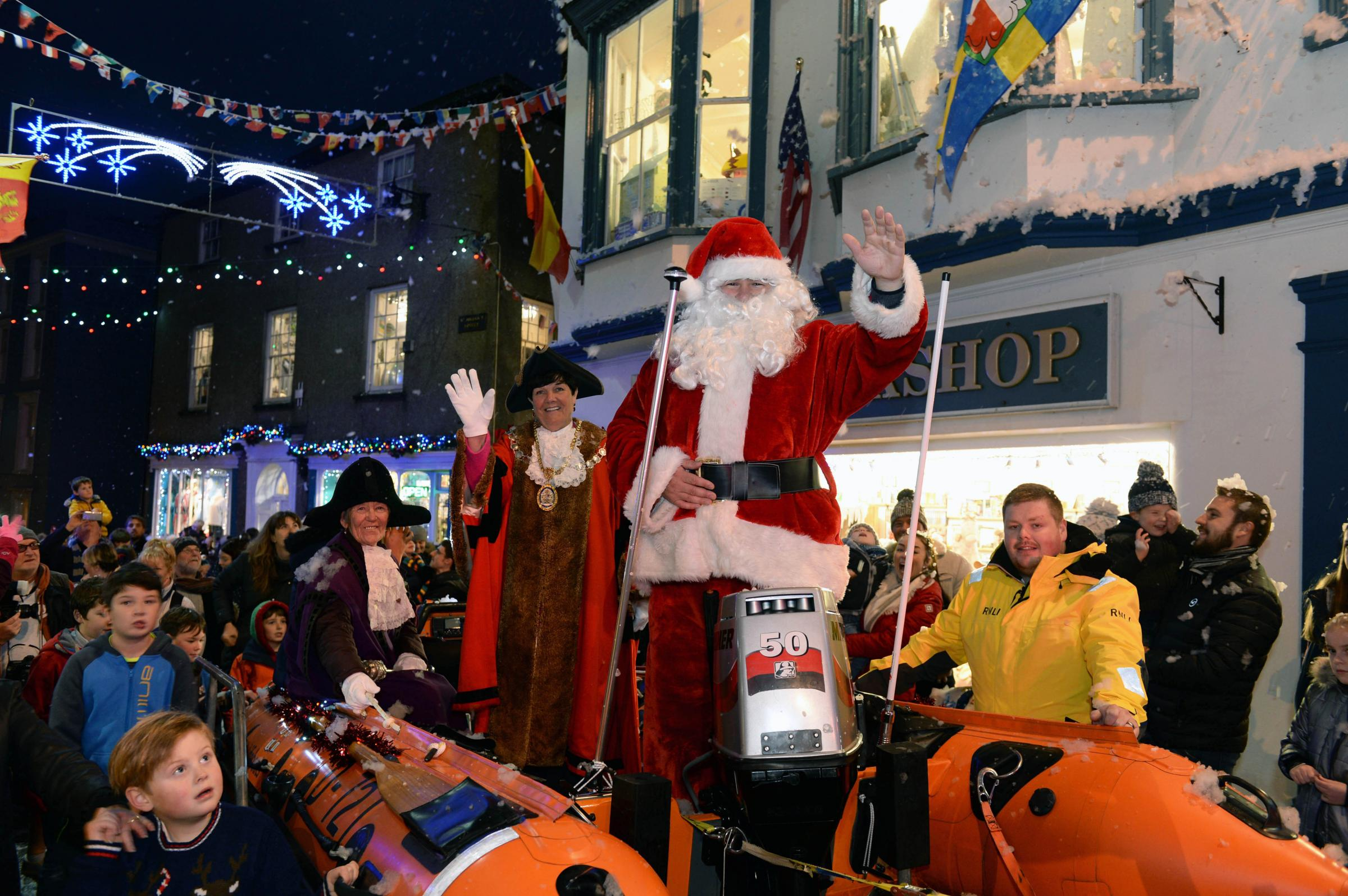 Santa kicks of festive season in Tenby this Saturday